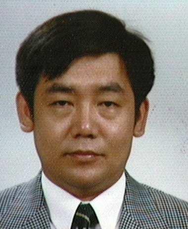 김수진(金秀鎭) 교수님 사진