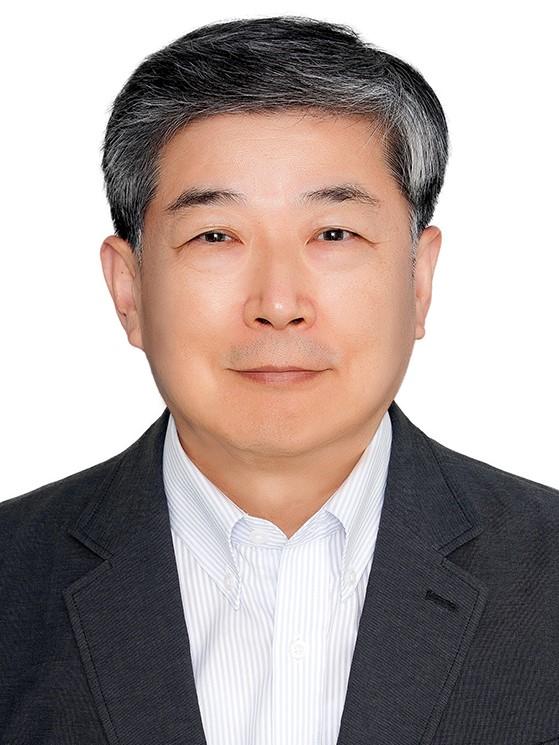 심현섭(沈賢燮) 교수님 사진