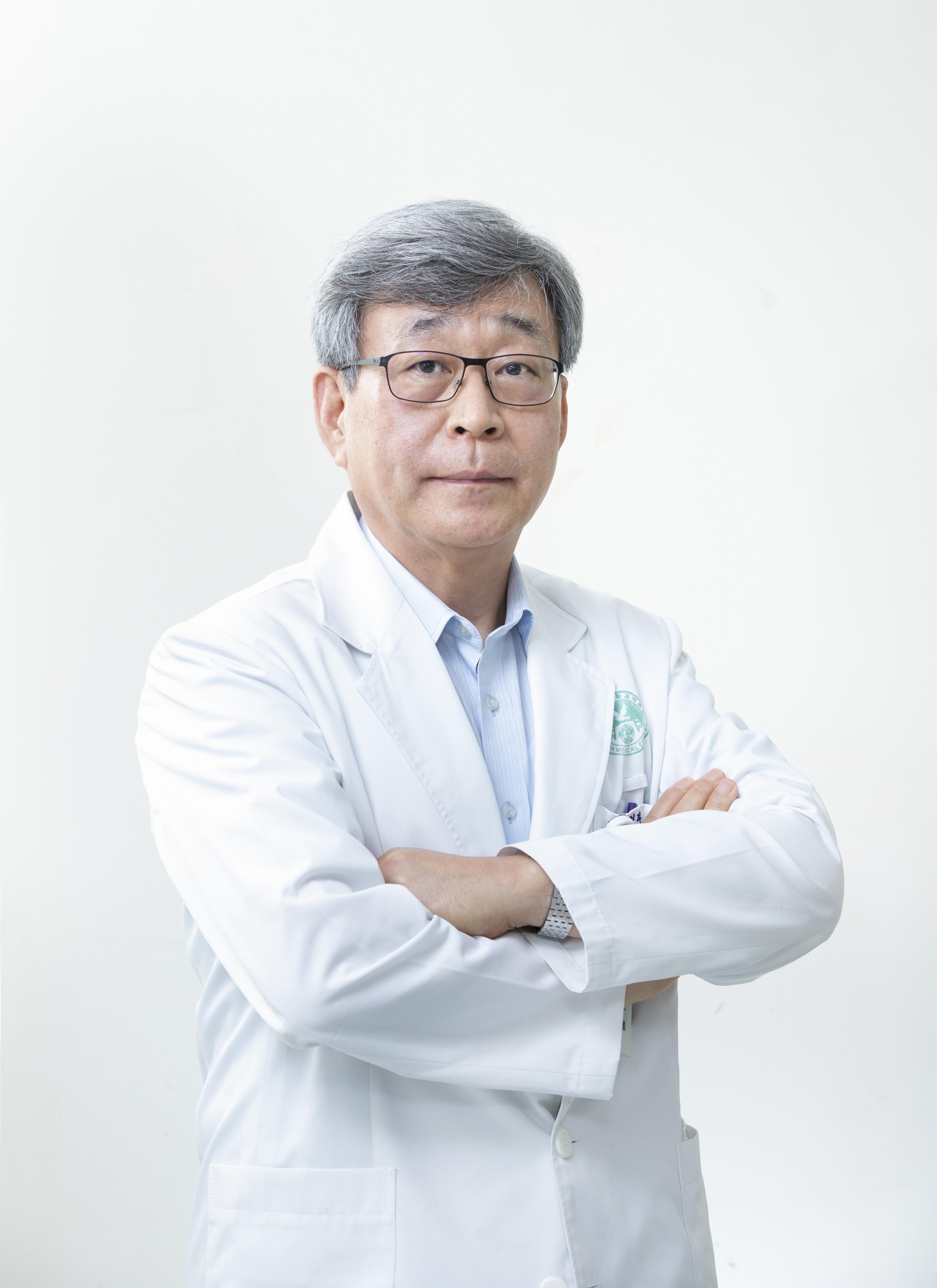 김승철(金昇喆) 교수님 사진