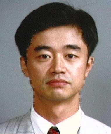 김동준(金東俊) 교수님 사진