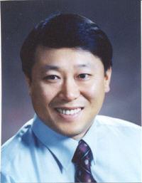 김명현(金明鉉) 교수님 사진