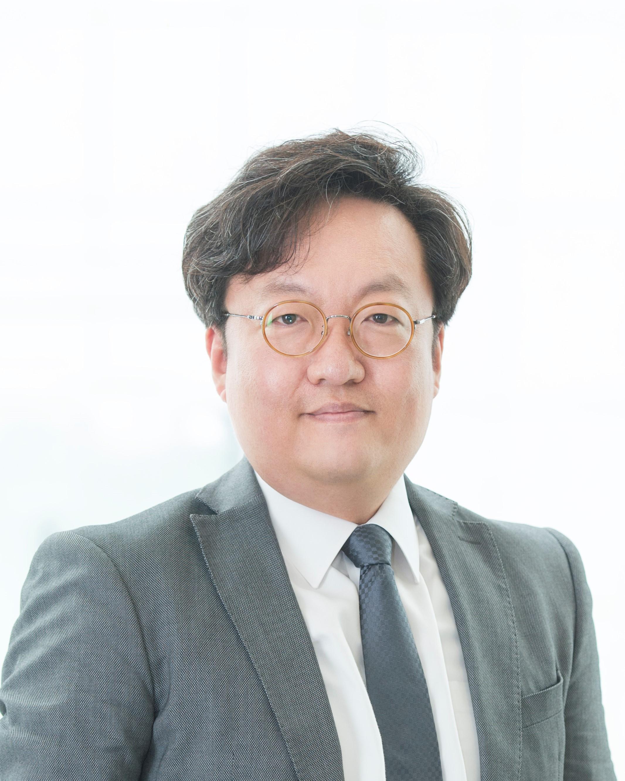 신경식(申璟植) 교수님 사진