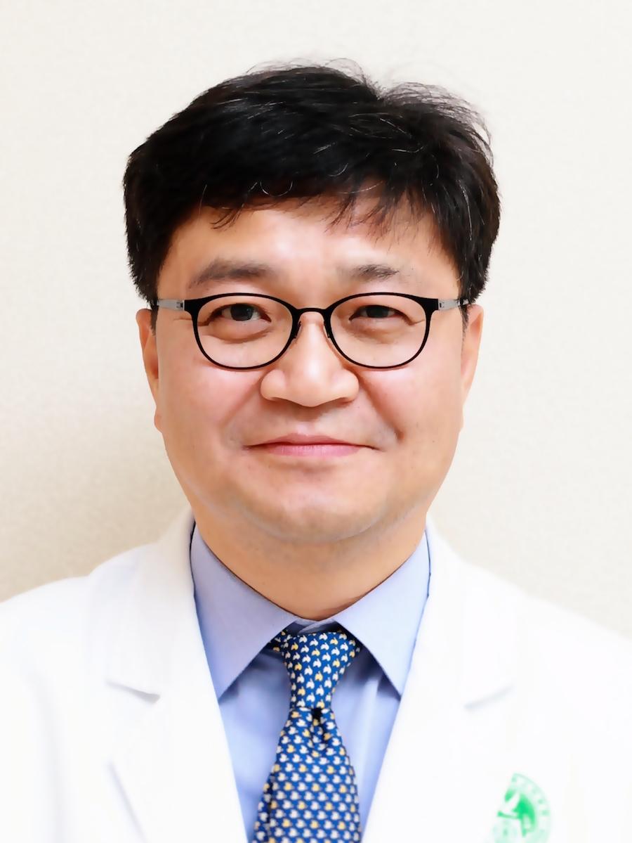 김용재(金용宰) 교수님 사진