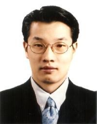 최문섭(崔文燮) 부교수님 사진