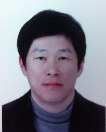 이진(李鎭) 교수님 사진