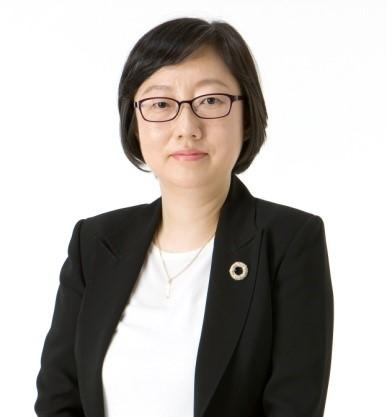 신승희(辛承姬) 조교수님 사진