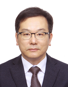 정성철(鄭聖哲) 교수님 사진