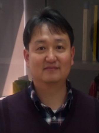 김원석(金洹奭) 교수님 사진
