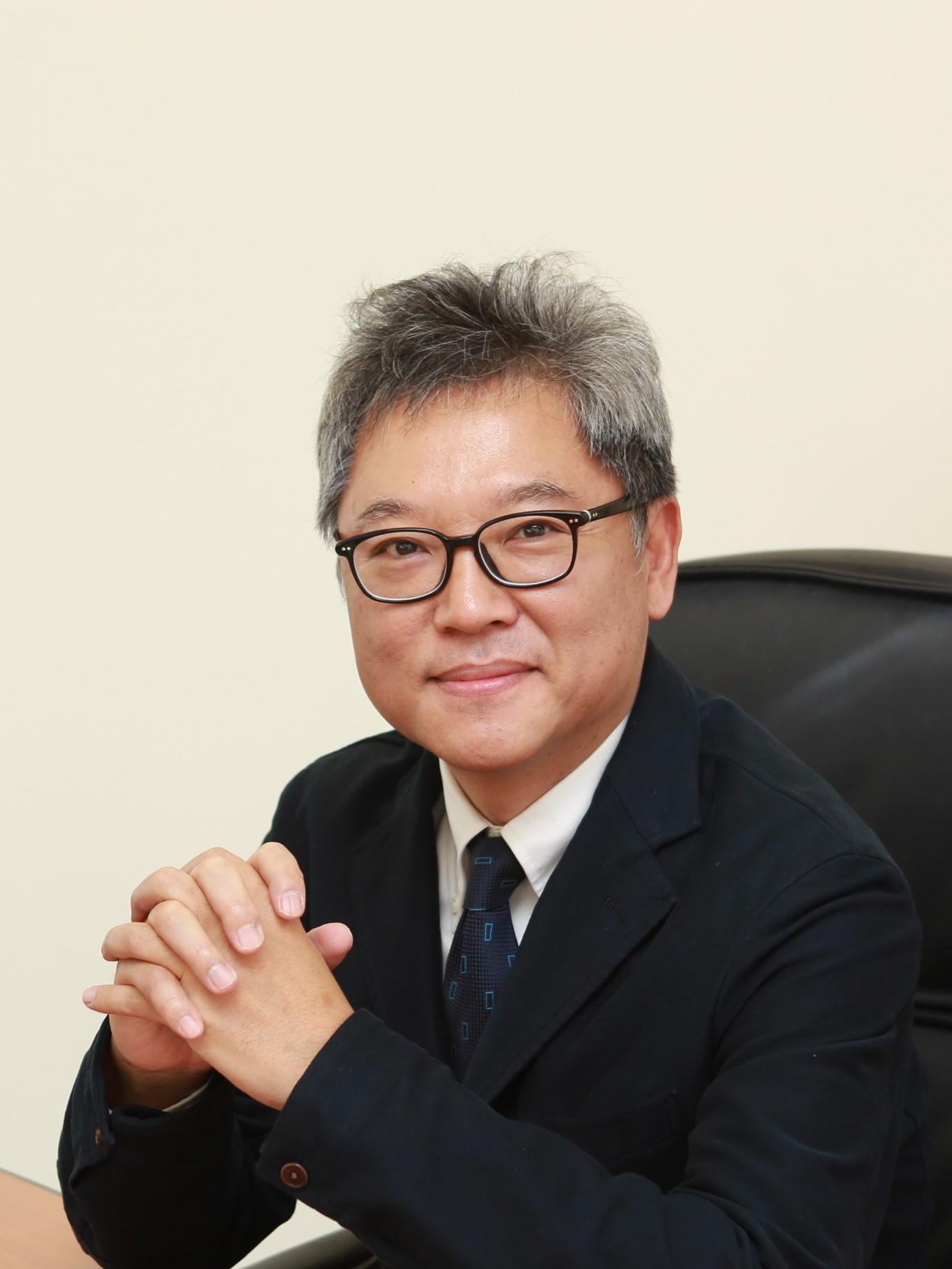 김영훈(金榮勳) 교수님 사진