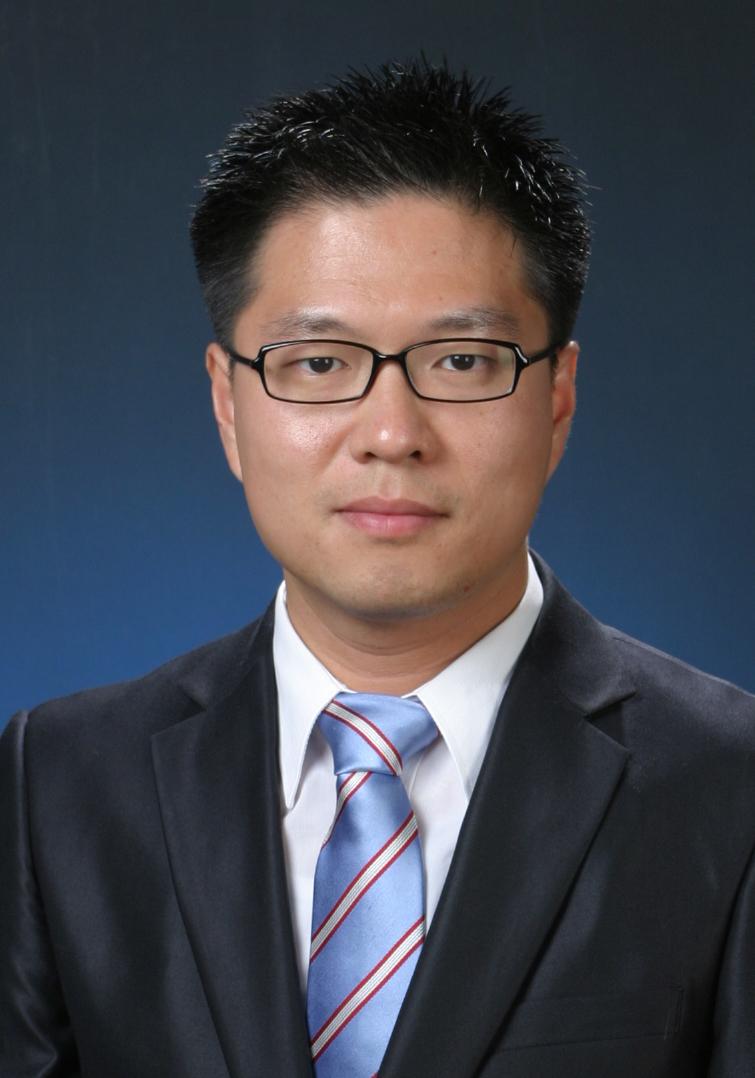 민대기(閔大基) 부교수님 사진