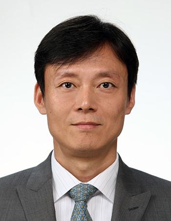 홍기석(洪基錫) 교수님 사진