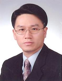 나현(羅鉉) 교수님 사진