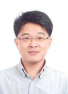 Yong-Uk Kwon  교수님 사진