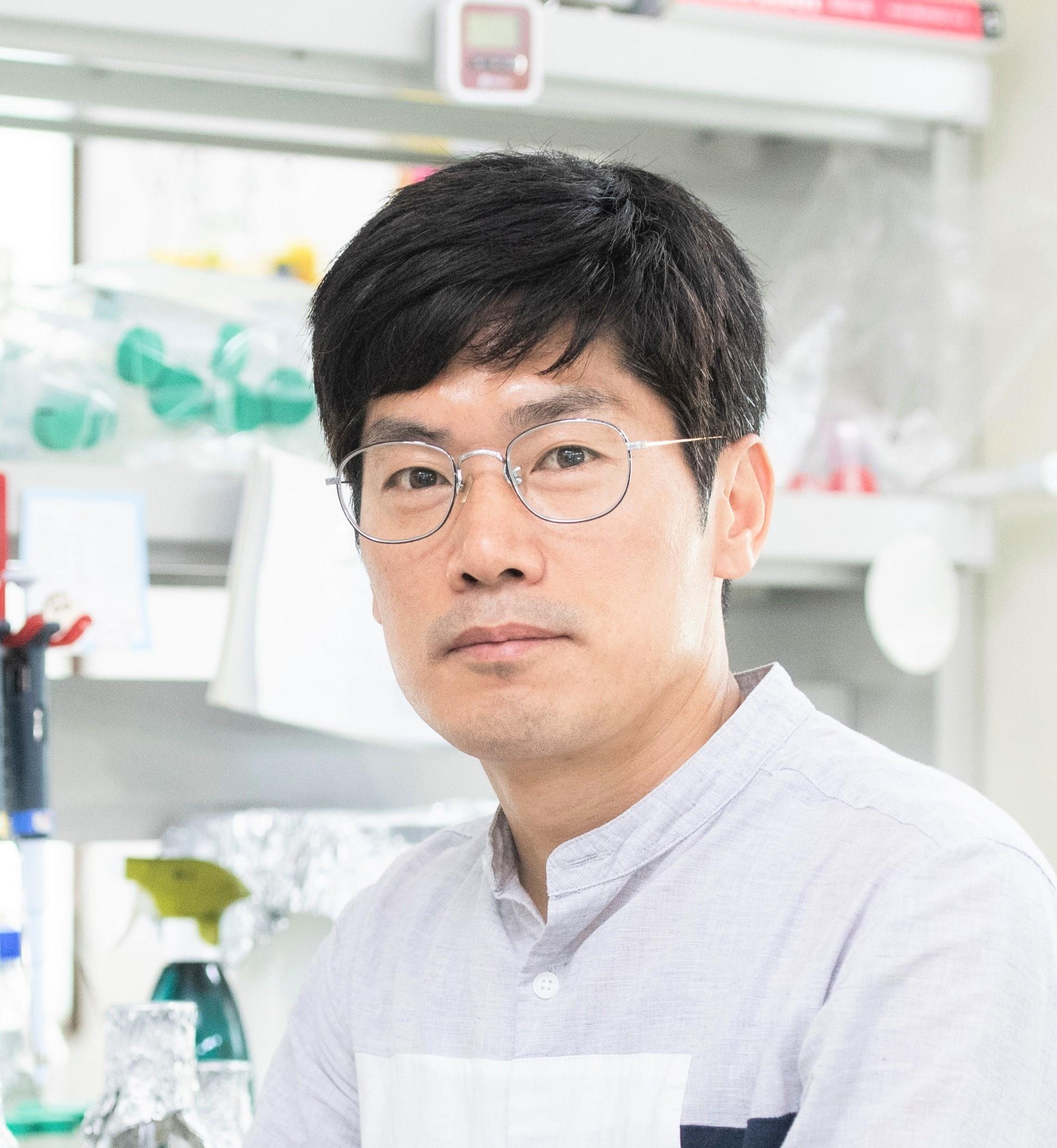 김태수(金太수) 교수님 사진