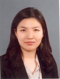 김윤지 교수님 사진