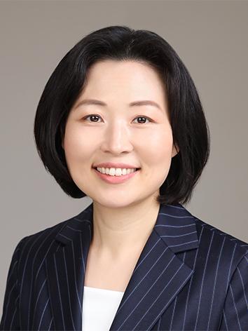 이주리애(李朱利愛) 조교수님 사진