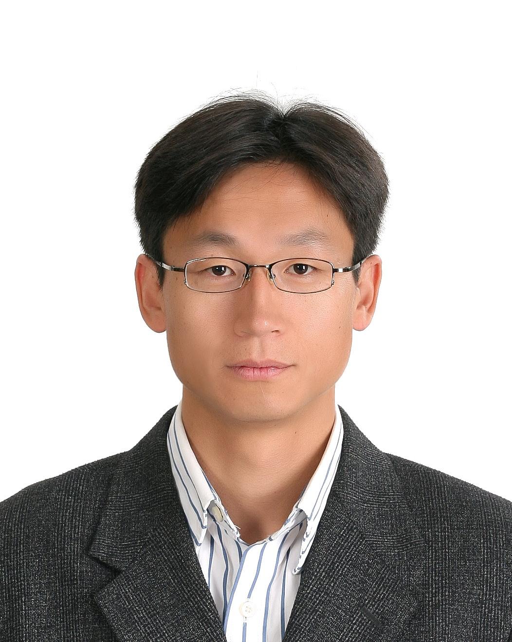 김봉수(金奉帥) 교수님 사진