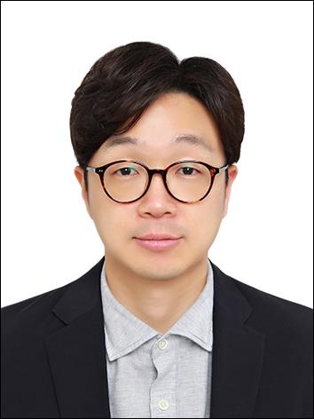 김지영(金志泳) 조교수님 사진