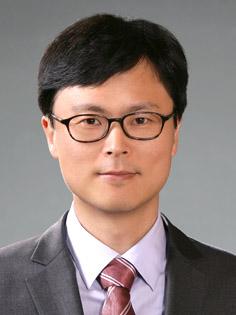 이영환(李永煥) 조교수님 사진